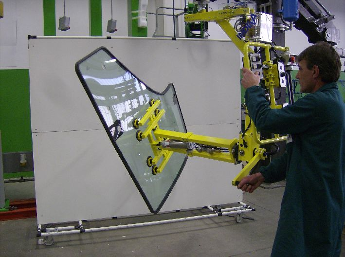 Keeping UK manufacturing moving safely with industrial manipulators